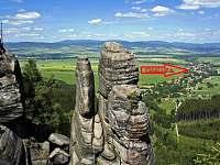 pohled na Božanov ze skal - chalupa k pronájmu
