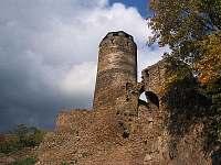Hrad Hasištejn - 1,5 km od chaty - Úbočí - Místo