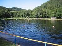 přirodní koupaliště Prunéřov 5 km od chaty