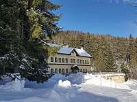 Levné ubytování  Michal - koupaliště Chatky na horách - Nejdek - Bernov