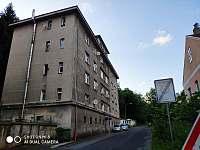 Dům s apartmánem Jáchymov - k pronájmu
