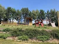 pohled na zahradu - pronájem chalupy Kovářská