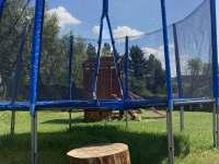 velká trampolína - pronájem chalupy Kovářská