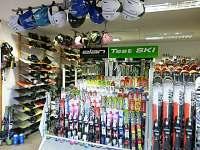 Půjčovna lyží a snowboardů