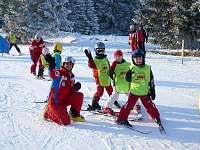 Výuka v lyžařské školičce
