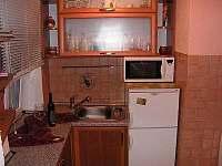 Skalná - rodinný dům k pronájmu - 9