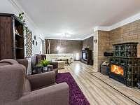 Obývací pokoj - pronájem chalupy Tisová u Nejdku