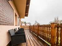 Sezení na balkoně - Tisová u Nejdku