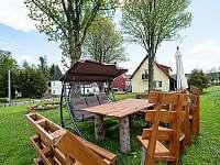 zahradní sezení - ubytování Pernink