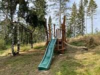 Dětské hřiště - chalupa k pronájmu Bublava