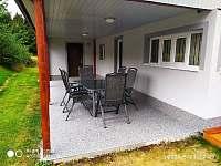 Krytá terasa s posezenim
