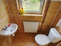Oddělené WC - pronájem chalupy Kovářská