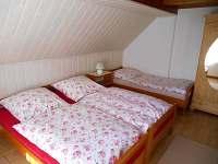Třílůžkový pokoj v 1. patře - Horní Halže