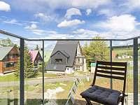 Apartmán AB C306 - balkon s posezením - k pronajmutí Loučná pod Klínovcem