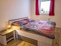 Apartmán AB C306 - ložnice s manželskou postelí - k pronájmu Loučná pod Klínovcem