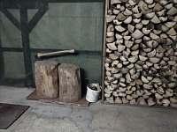Garáž - chata k pronajmutí Loučná pod Klínovcem - Háj