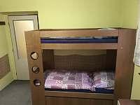 Pokoj se 4 lůžky - chalupa ubytování Jáchymov