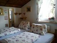 ložnice v patře s východem slunce