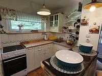pohled do kuchyňky - Mariánská