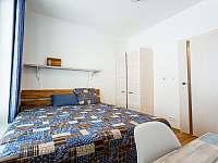Adina 3 - Ložnice 2 - apartmán ubytování Loučná pod Klínovcem