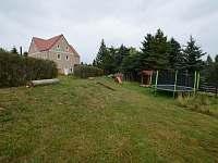 Dětské hřiště - chalupa k pronájmu Kovářská