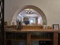 Bar s pípou - Perštejn - Vykmanov