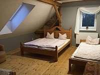 Samostatný apartmán ve 2. patře, pokoj 5 - Perštejn - Vykmanov