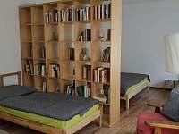 Pohodlná rodinná ložnice - apartmán k pronajmutí Karlovy Vary - Kolová