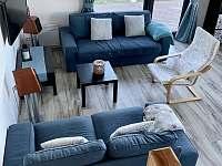 Komfortní obývák s rozkládací sedačkou - chalupa ubytování Jáchymov - Mariánská