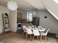 Apartmán 3_jídelna s kuchyní - pronájem Mikulov