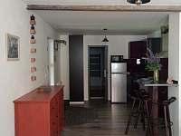 Jídelní stůl a kuchyň - Horní Blatná