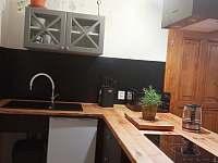 Pohled do kuchyně - II. apartmán - Horní Blatná