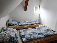 Dům u lesa - ložnice 2 - chata k pronajmutí Nové Hamry