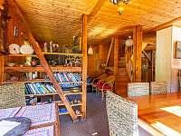 Kalahari - společenská místnost - chata ubytování Loučná pod Klínovcem