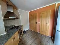 vstup do bytu - apartmán k pronájmu Pila
