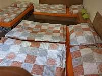 Ložnice 2 pro 4 osoby - chalupa k pronajmutí Vejprty