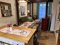 pohled z kuchyně - chalupa ubytování Hošnice