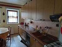 Kuchyň - chalupa ubytování Kovařská