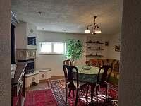 Obývací pokoj 2 - chalupa ubytování Kovařská