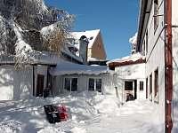 Zimní sněhová nadílka - chalupa k pronajmutí Moldava - Nové Město