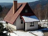 Severní pohled na jaře - chata ubytování Mariánská