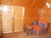 Vestavěná skříň - chata k pronajmutí Mariánská