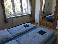 třílůžkový pokoj - apartmán k pronájmu Jáchymov