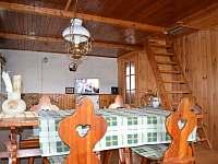 kuchyn s obývákem 1.np - chata k pronájmu Moldava - Nové Město