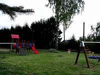 dětské hřiště v obci - Rájec