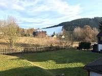 Pohled na sjezdovku od domu - chalupa k pronájmu Bublava