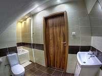 Koupelna s vanou - Klíny