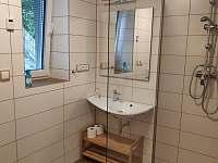 Koupelna - pronájem apartmánu Pernink