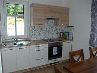 Kuchyň - apartmán k pronájmu Pernink