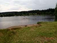 rybník u nedaleké Přebuze - pronájem chalupy Kraslice